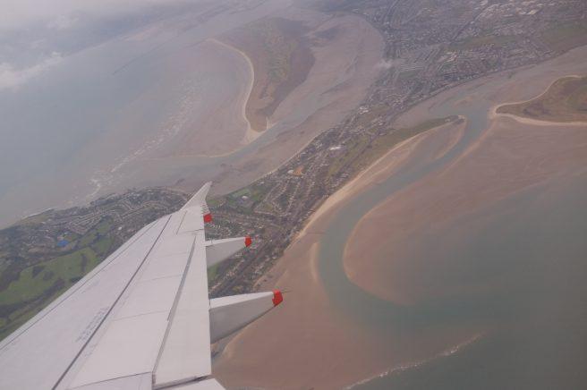アイルランド、飛行機から海岸線を撮影